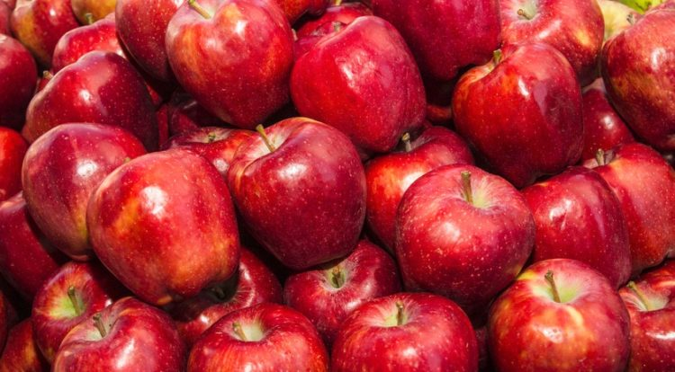 The Real Reason Red Delicious Apples Arent So Delicious